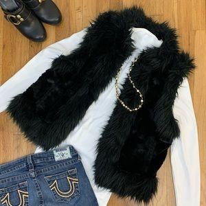 -SoSoft- Loft Black Faux Fur Vest